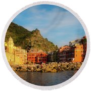 Welcome To Vernazza Round Beach Towel