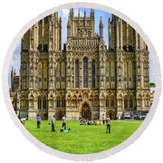 Wells Cathedral In Somerset, Uk Round Beach Towel