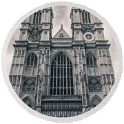 Westminister Abbey Bw Round Beach Towel
