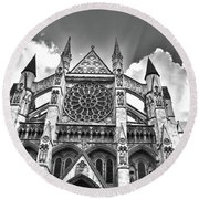Westminster Abbey Under The Clouds And Rays Round Beach Towel