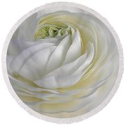 White As Snow Round Beach Towel