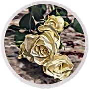 White Baby Roses Round Beach Towel