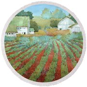 White Barns In Virginia Round Beach Towel