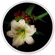 White Daylily From The Garden Round Beach Towel