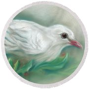 White Dove With Christmas Holly Round Beach Towel