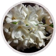 White Hyacinth Round Beach Towel