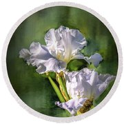 White Iris On Abstract Background #g4 Round Beach Towel