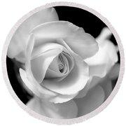 White Rose Petals Black And White Round Beach Towel
