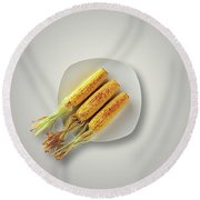 Whole Grilled Corn On A Plate Round Beach Towel