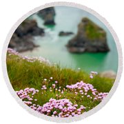 Wild Sea Pinks In Cornwall Round Beach Towel