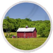 Wildflowers Barn Round Beach Towel