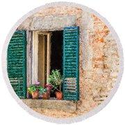 Window Flowers Of Tuscany Round Beach Towel