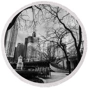 Windy Mornings In The Chi  Round Beach Towel