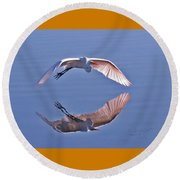 Wingtips Round Beach Towel
