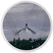 Winter Morning Fog Envelops Chimney Rock Round Beach Towel
