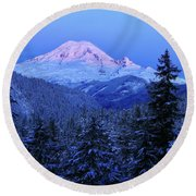 Winter Morning With Mount Rainier Round Beach Towel