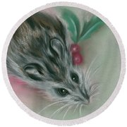 Winter Mouse With Holly Round Beach Towel