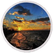Winter Sunset On A Chesapeake Bay Beach Round Beach Towel