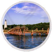 Winyah Bay Lighthouse Round Beach Towel