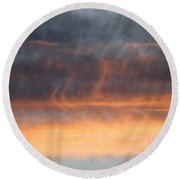 Wispy Sunset Round Beach Towel
