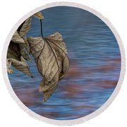 Withered Leaves Round Beach Towel