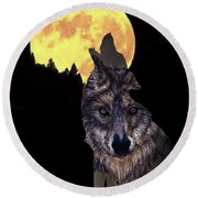 Wolf Howling At The Moon Round Beach Towel