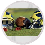 Wolverine Helmets And Roses Round Beach Towel