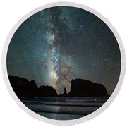 Round Beach Towel featuring the photograph Wonders Of The Night by Darren White