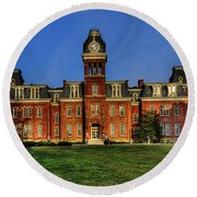 Woodburn Hall In Morning Round Beach Towel