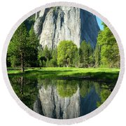 Wosky Pond In Yosemite Round Beach Towel