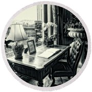 Writing Desk Bw Series 0808 Round Beach Towel