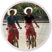Xishuangbanna Cyclists Round Beach Towel