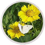 Yellow Cow Pen Daisies Round Beach Towel