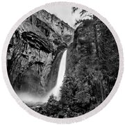 Yosemite Waterfall Bw Round Beach Towel