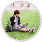 Young Japanese Man Traveling, Working In New York 15041418 Round Beach Towel