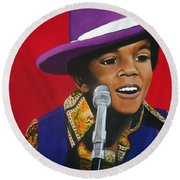 Young Michael Jackson Singing Round Beach Towel
