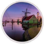 Zaanse Schans Holiday  Round Beach Towel