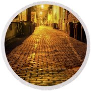 Chicago Alley At Night Round Beach Towel