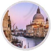 Evening Light In Venice Round Beach Towel