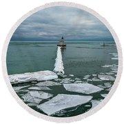Milwaukee Breakwater Lighthouse Round Beach Towel