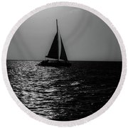 Sailing Into The Sunset Black And White Round Beach Towel