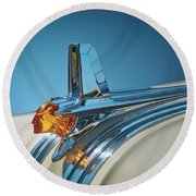 1953 Pontiac Hood Ornament Round Beach Towel