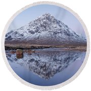 Round Beach Towel featuring the photograph Dawn In Glencoe by Stephen Taylor