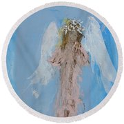 Angel With A Crown Of Daisies Round Beach Towel