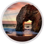Arche De Port Blanc Round Beach Towel