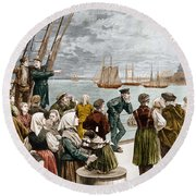 Arrival Of Emigrants In New York In 1887 In The Background, The Statue Of Liberty Round Beach Towel