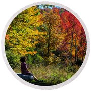 Autumn Leaves In The Catskill Mountains Round Beach Towel
