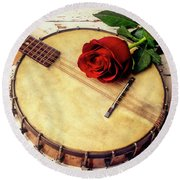 Banjo And Red Rose Round Beach Towel