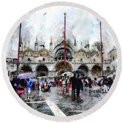 Basilica Of Saint Mark In Venice With Watercolor Look Round Beach Towel