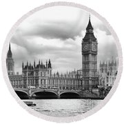 Big Clock In London Round Beach Towel